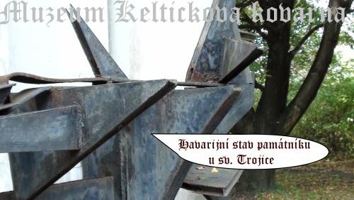 11-Památník zastřelených z roku 1894- dnešní stav mohyly-x